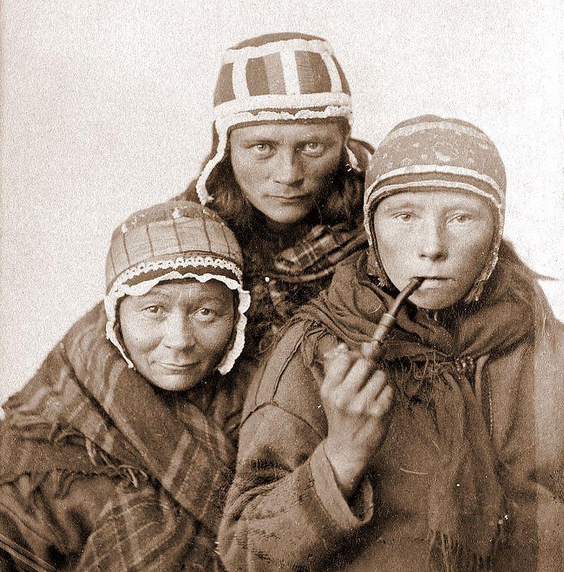 Sami Women (wikipedia)